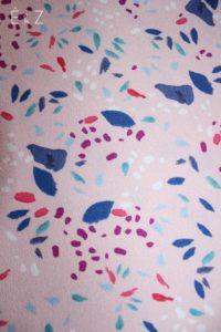 crepe-de-viscose-pluie-de-petales-rose-tissu-couture-habillement-diy-sewing-mode-coudre-vetements